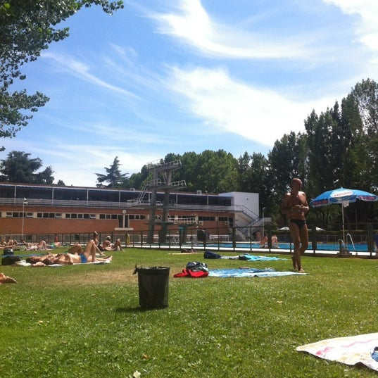 Fotos en piscina complutense ciudad universitaria for Piscina ciudad universitaria