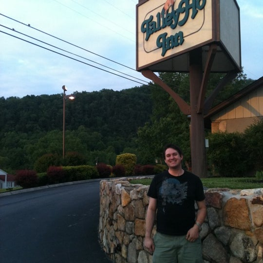 Photo taken at Talley Ho Inn by renee h. on 5/8/2011
