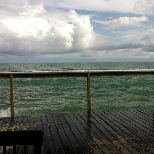 Foto tirada no(a) Praia Mirante da Sereia por Jeane N. em 3/1/2012
