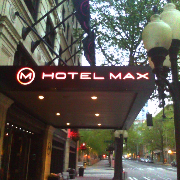 Photo taken at Hotel Max by Lauren K. on 5/24/2011