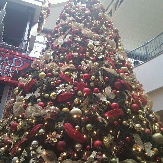 Foto tirada no(a) Mall del Sur por Osvi N. em 12/18/2011
