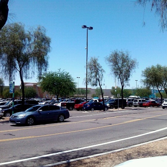 Photo taken at Arizona Mills by Casey G. on 8/4/2012