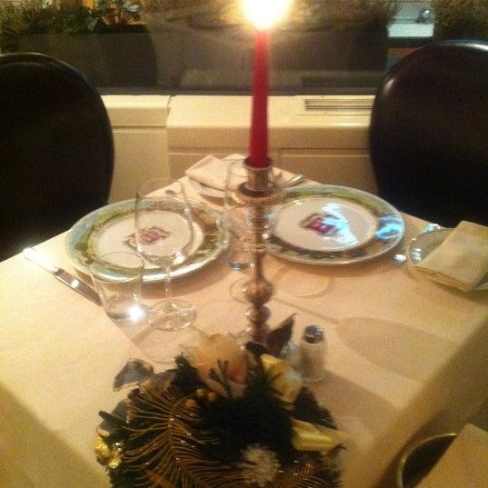 Photo taken at Asador Café Veneto by Edward Michael C. on 12/24/2010