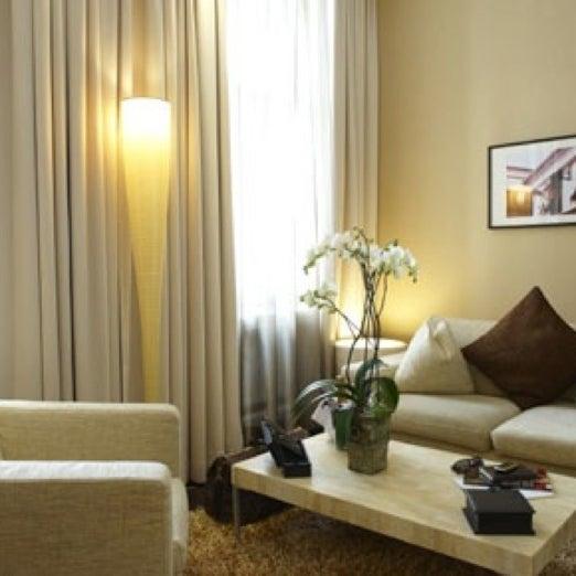 Das Foto wurde bei MyPlace Hotel City Centre von Heinz G. am 6/9/2011 aufgenommen