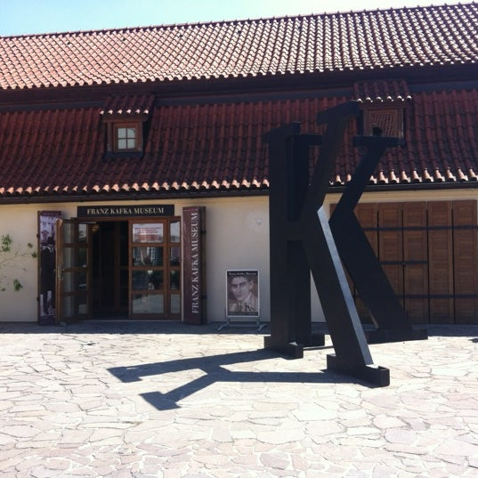 8/14/2012 tarihinde Celso F.ziyaretçi tarafından Franz Kafka Museum'de çekilen fotoğraf