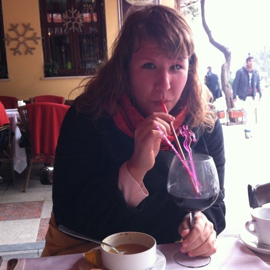 2/24/2012 tarihinde Daria S.ziyaretçi tarafından Cozy Bar&Restaurant'de çekilen fotoğraf