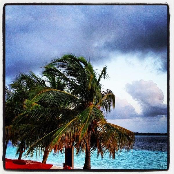 Photo taken at Vilamendhoo Island Resort & Spa by Tolkyn N. on 7/14/2012