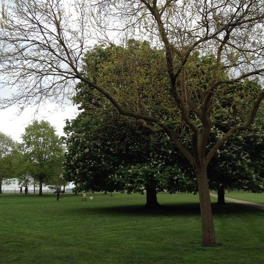 Photo taken at Kensington Gardens by kazuna i. on 5/5/2012