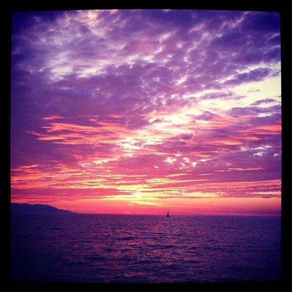 Foto tomada en Sunset Plaza Beach Resort & Spa por CARLOS G. el 2/1/2012