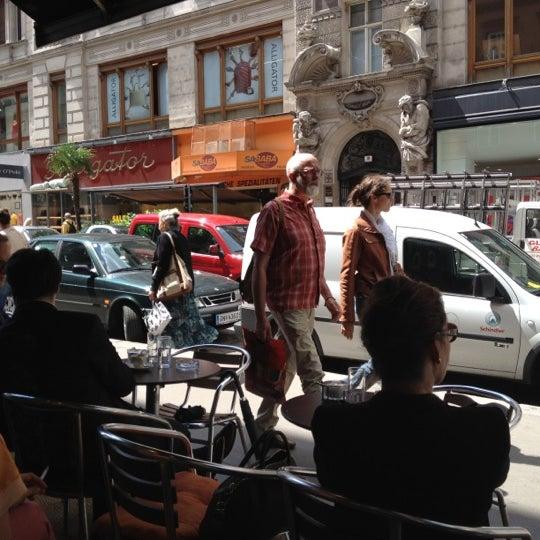 Das Foto wurde bei Café Daniel Moser von Rami F. am 7/16/2012 aufgenommen