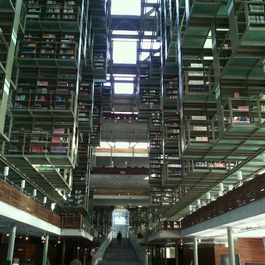 Photo taken at Biblioteca Vasconcelos by Juan Roberto H. on 3/22/2012