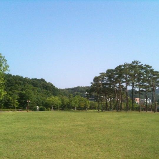 Photo taken at Yuldong Park by Yoonseok H. on 7/7/2012