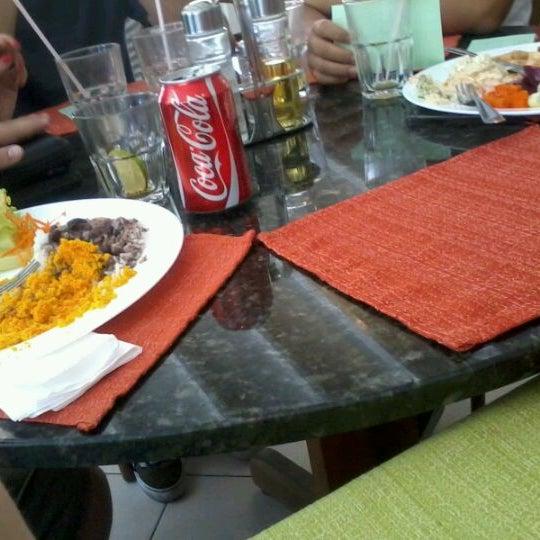 Foto tirada no(a) Restaurante da Família por Pedro E. em 2/18/2012