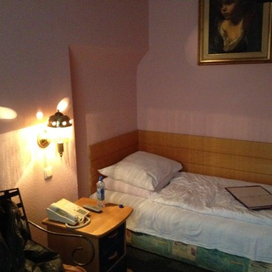 Das Foto wurde bei Hotel Urania von Ilya G. am 5/6/2012 aufgenommen