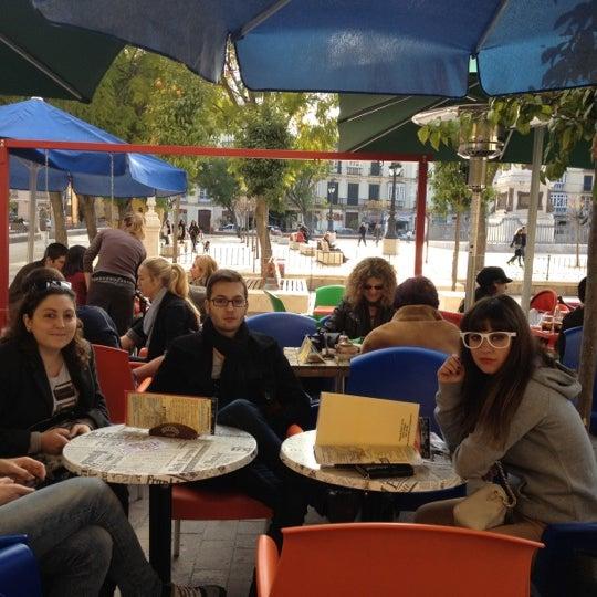1/28/2012 tarihinde María L.ziyaretçi tarafından Café con Libros'de çekilen fotoğraf