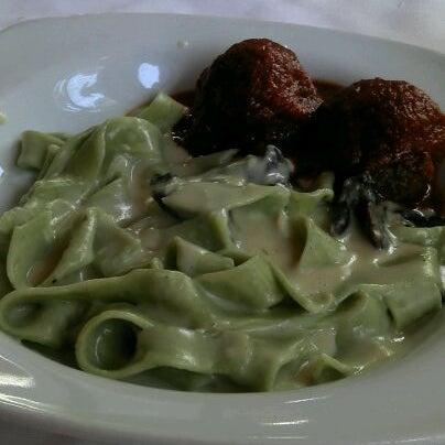 Foto tirada no(a) Di Andrea Gourmet Pizza & Pasta por Jessé O. em 12/17/2011