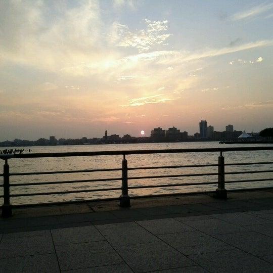 Das Foto wurde bei Hudson River Park von Naomi N. am 8/5/2012 aufgenommen
