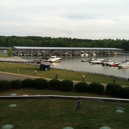 Photo taken at Fish Tales Lakeside Grille by Steve W. on 5/11/2012