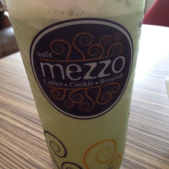 Photo taken at Mezzo by MeMe M. on 5/17/2012