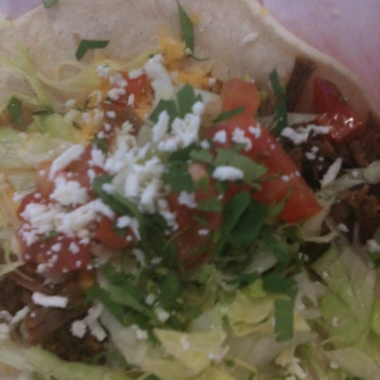 Photo taken at Fuzzy's Taco Shop by Ivy C. on 5/18/2012