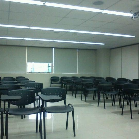 Foto tomada en Universidad Andrés Bello por Jacqueline M. el 8/23/2011