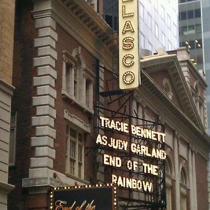 รูปภาพถ่ายที่ Belasco Theatre โดย Nancy F. เมื่อ 6/9/2012