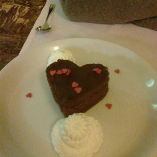 Foto tomada en Restaurante Italiano Emma y Julia por Antonio A. el 2/14/2012