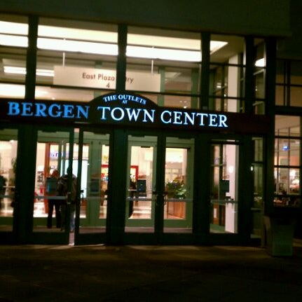The Outlets At Bergen Town Center Paramus Nj