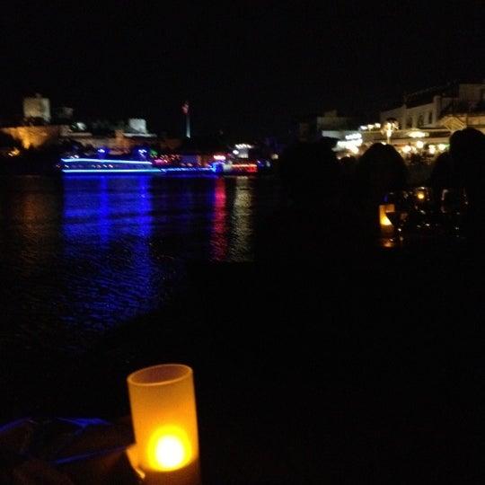 6/26/2012 tarihinde OZAN I.ziyaretçi tarafından Moonlight Cafe Bar'de çekilen fotoğraf