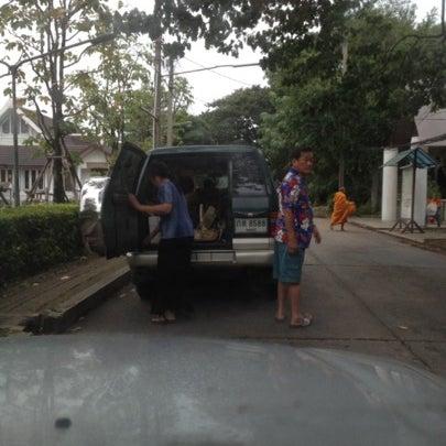 Photo taken at ลานใส่บาตร by Som O D. on 7/24/2012