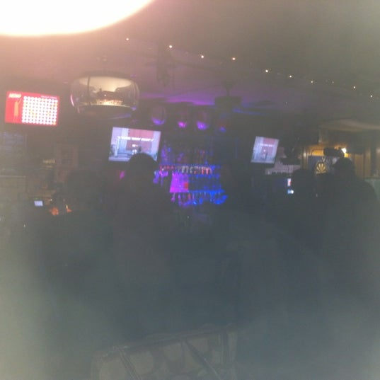 Photo taken at Brew-Stirs Clintonville Tavern by R K. on 1/8/2012