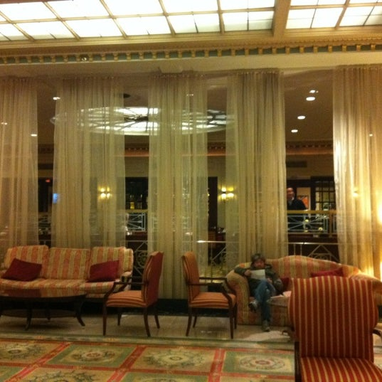 Photo taken at InterContinental New York Barclay by Leslie F. on 1/22/2012