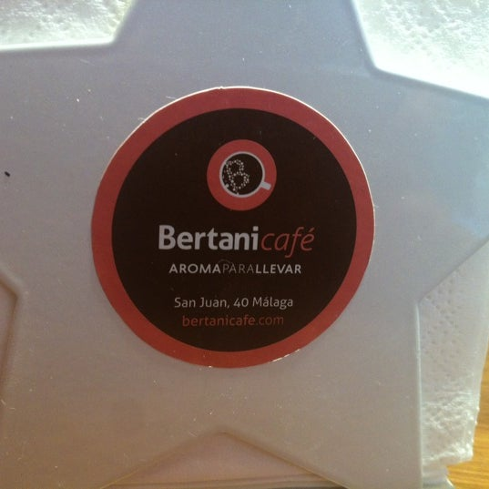 Foto tomada en Bertani Cafe por Raquel P. el 9/10/2012