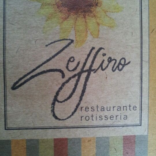 Foto tirada no(a) Zeffiro Restaurante por Marcelo B. em 12/30/2011