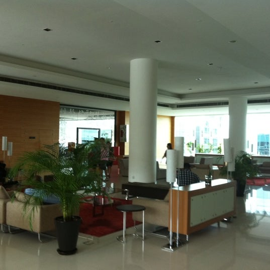 Photo taken at Pullman Kuching by Cheng D. on 3/15/2012