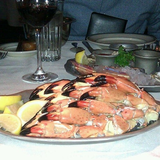 Photo prise au Joe's Seafood, Prime Steak & Stone Crab par Mary le11/26/2011