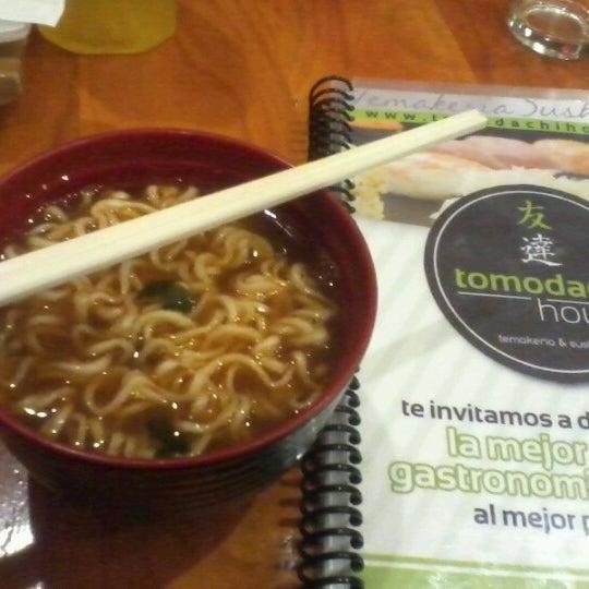 Foto tomada en Tomodachi House por Karina R. el 8/10/2012