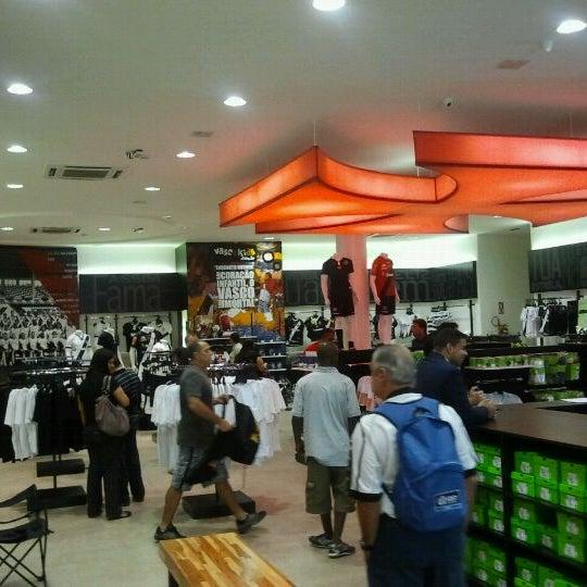 Foto tirada no(a) Mega Loja Gigante da Colina por Lucas C. em 1/28/2012