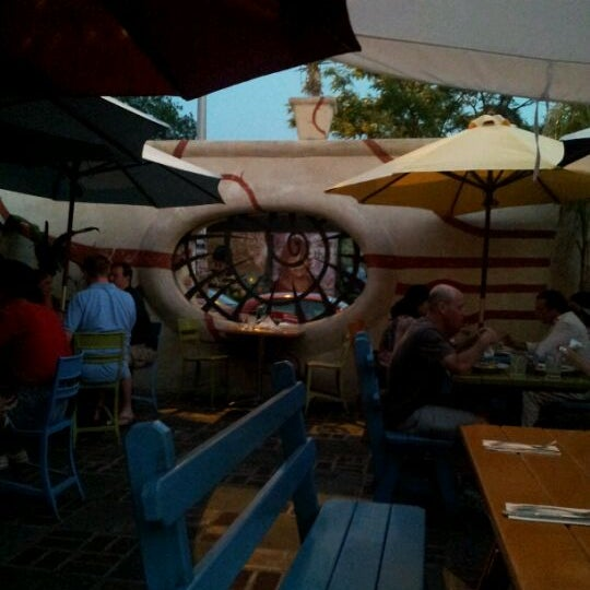 Photo taken at Silk City Diner Bar & Lounge by Ivy T. on 5/29/2012