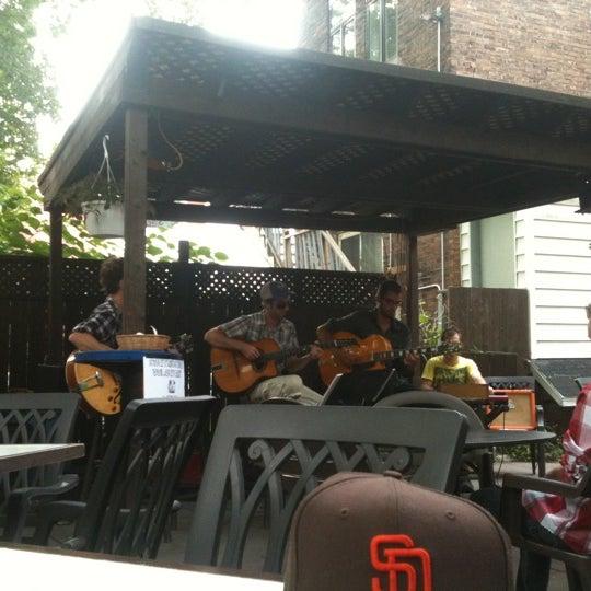 Снимок сделан в Café Bar Zénob пользователем Joanie D. 8/14/2011