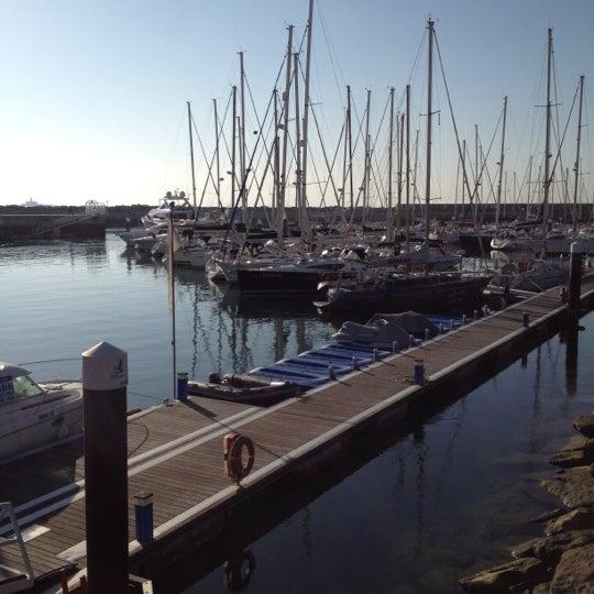 Foto tirada no(a) Porto de Recreio de Oeiras por Rui d. em 2/19/2012