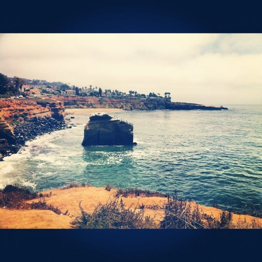Foto tirada no(a) Sunset Cliffs Natural Park por Brie C. em 8/7/2012