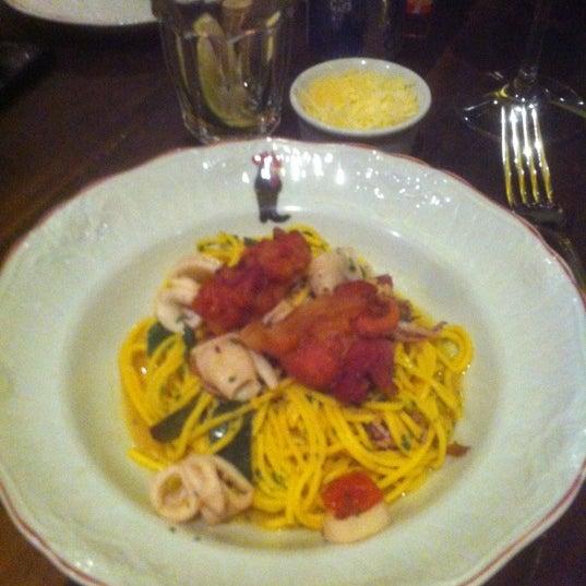 Photo taken at Bottega Bottagallo by Roseli on 7/1/2012