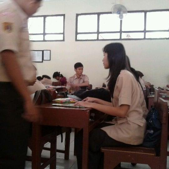 Photo taken at SMA Negeri 4 Semarang by Ayu H. on 8/10/2012