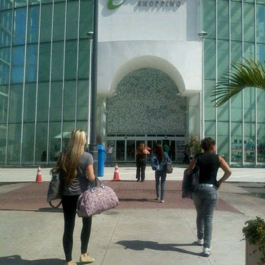 Foto tirada no(a) Boulevard Shopping Campos por Layra D. em 9/5/2012