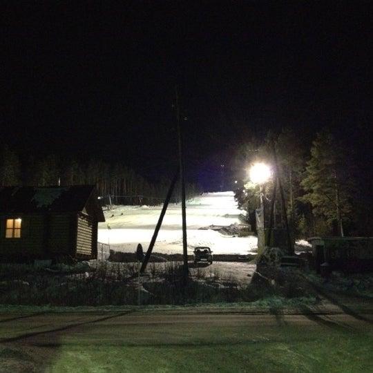 รูปภาพถ่ายที่ ГЛК Гора Пильная โดย Dmitry S. เมื่อ 1/8/2012