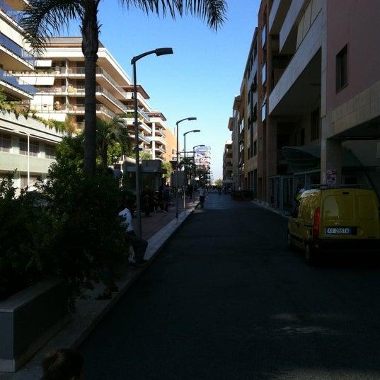 Foto scattata a Centro Commerciale Parco Leonardo da Michele N. il 9/10/2011