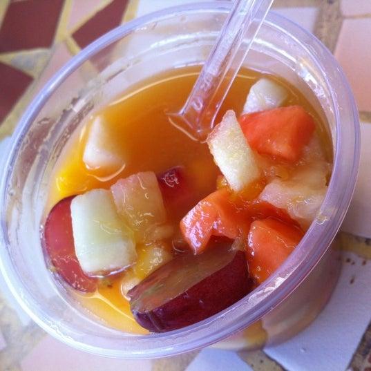 Photo taken at Divina Quitanda by Olemir C. on 8/30/2012