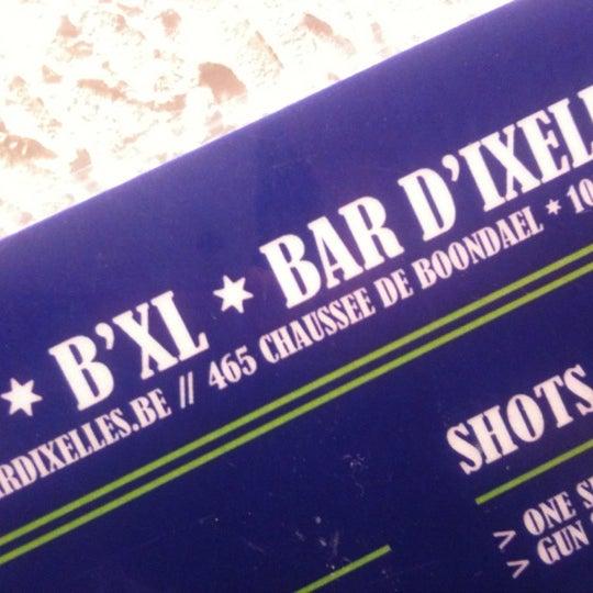 Foto tirada no(a) Le Bar d'Ixelles por Nicolas D. em 7/13/2012