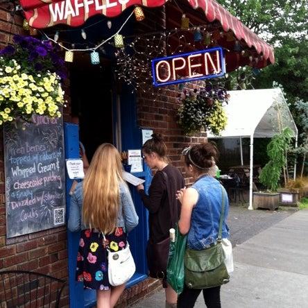 Foto tirada no(a) The Waffle Window por Susan C. em 6/28/2012